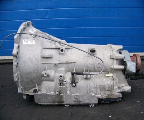 JAGUAR XE 3.0 V6 340KM CAJA 8HP-45 GX737000DB