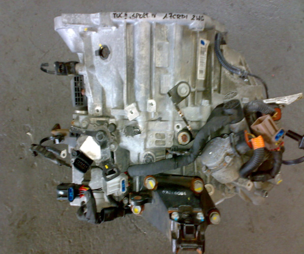 HYUNDAI TUCSON II 15 18 1.7CRDI CAJA 7DCT 2WD