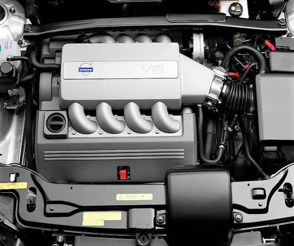 MOTOR VOLVO XC90 4,4 V8 B8444S