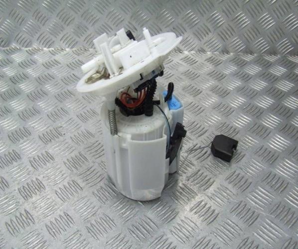 MERCEDES W205 3.0 V6 BOMBA COMBUSTIBLE A2054704900